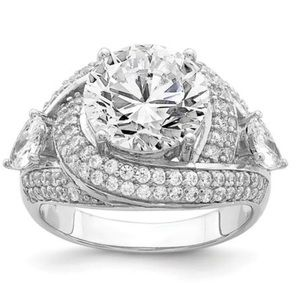 Jewelry - 925 Sterling Silver Stunning CZ Ring